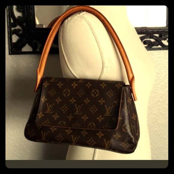 c2df1bf2242 Louis Vuitton Handbags - Authentic Louis Vuitton Mini Loop Monogram Handbag